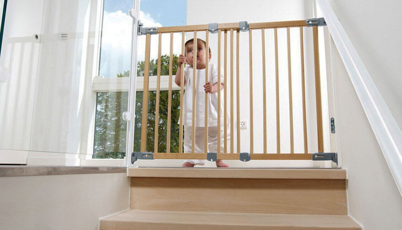 Best Baby Gates for Stairs in UK